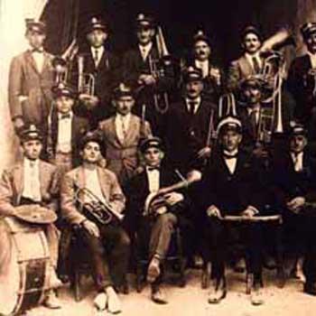12 Banda musicale