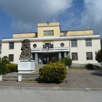 La nuova casa comunale lorenzo izzo for Casa comunale